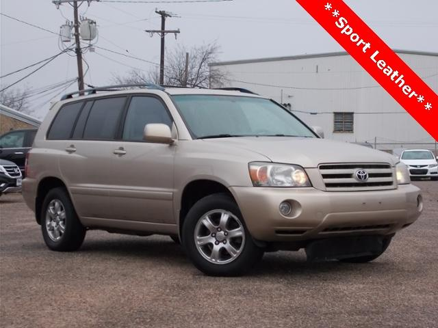 used Sonora Gold Pearl 2007 Toyota Highlander Sport with Ivory Interior located in Hillsboro